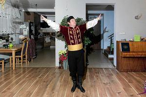 Jak graj� Mazurka D�browskiego, Tatar dostaje g�siej sk�rki