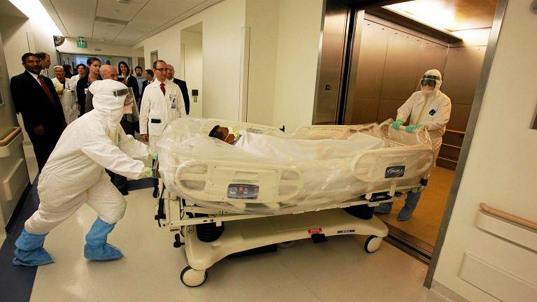 Transport pacjenta zakażonego ebolą