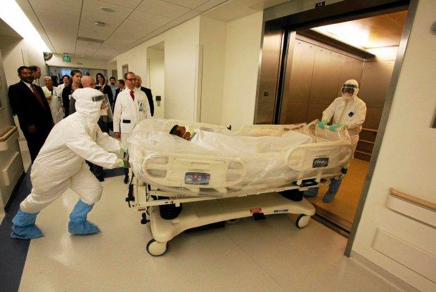 Transport pacjenta zaka�onego ebol�