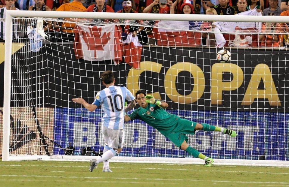 Zdjęcie numer 10 w galerii - Copa America 2016. Leo Messi w rozpaczy po porażce w finale [ZDJĘCIA]