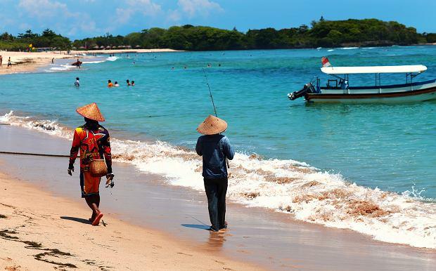 MSZ ostrzega przed wyjazdami w niebezpieczne miejsca. Turyści powinni zrezygnować m.in. z podróży na Bali