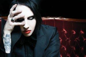 Nowe płyty: Łagodność Marilyna Mansona i szczególny romantyzm Enter Shikari [RECENZJE]