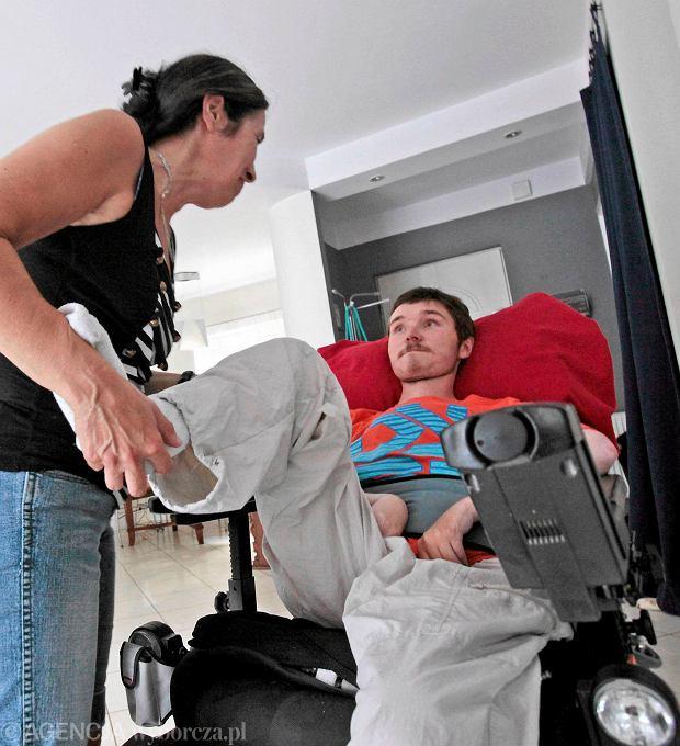 Limit na ratowanie - chorzy na zanik mi�ni sami zap�ac� za leczenie
