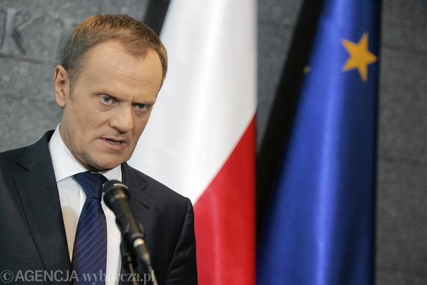"""Dziennikarka pyta premiera: Wierzy pan w cud ozdrowienia? """"Prawdziwego cudu papie� dokona� w Polsce"""""""