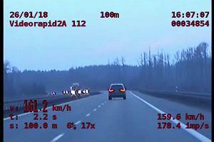 Pędził ponad 160 km/h trasą S8. To dopiero początek. Policjanci wszystko nagrali [WIDEO]