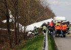 Samolot rozbi� si� na autostradzie w Niemczech. Jedna osoba nie �yje