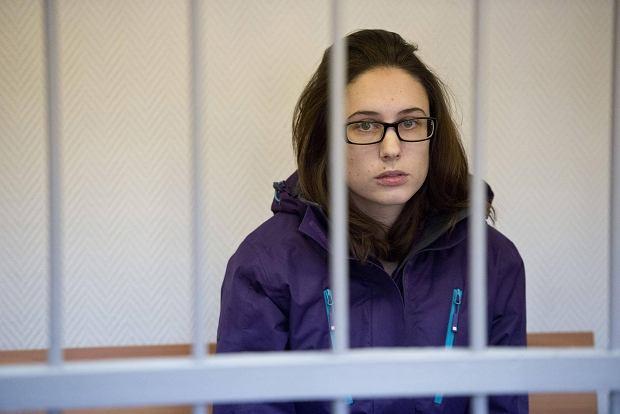 """""""Boj� si�, �e zgnij� w rosyjskim wi�zieniu"""". Emocjonalny list aresztowanej aktywistki Greenpeace"""
