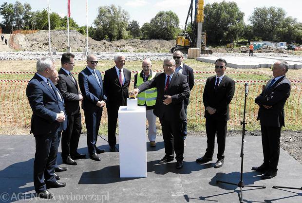 Południowa obwodnica Warszawy. Zaczęła się budowa nowego mostu. Minister wbił pierwszy pal