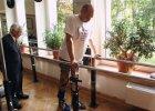 Dariusz Fidyka, który miał przecięty rdzeń kręgowy, już jeździ na rowerze. Wrocławscy chirurdzy chcą operować następnych