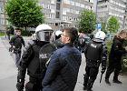 """�mier� w komisariacie. Protestuj� na Trzemeskiej: """"Mordercy, zabili�cie Igora!"""""""