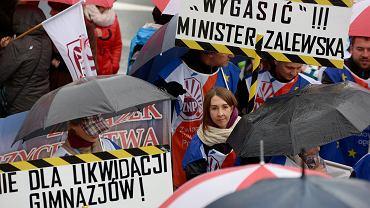 Protest nauczycieli w Olsztynie, październik 2016 r.