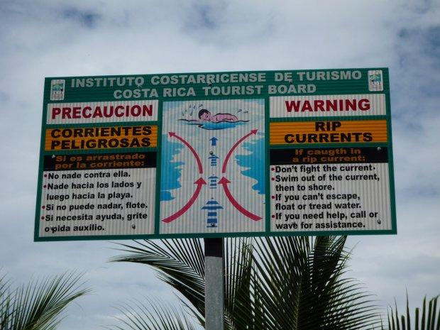 Ostrzeżenie przed prądem rozrywającym w Kostaryce/ Fot. CC BY 2.0/ Victoria Reay/ Flickr.com