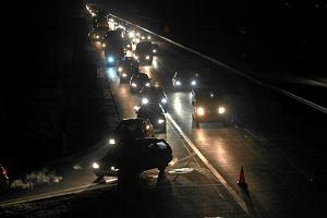 Trzy osoby zgin�y w serii porannych wypadk�w na drogach krajowych