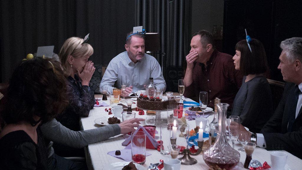 Kadr z filmu 'Atak paniki': Dorota Segda, Artur Żmijewski, Andrzej Konopka i Magdalena Turczeniewicz / HUBERT KOMERSKI