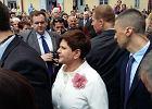 Święcenia syna Beaty Szydło, ale to premier wzbudziła największe zainteresowanie