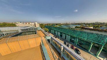 Nowy gmach Wydziału Neolingwistyki UW. Widok z dachu
