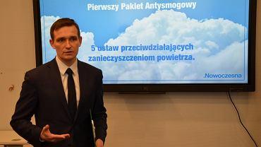 Michał Jaros w sobotę ma zostać kandydatem Nowoczesnej na prezydenta Wrocławia. Miesiąc temu to polityczne wydarzenie nagle odwołano.
