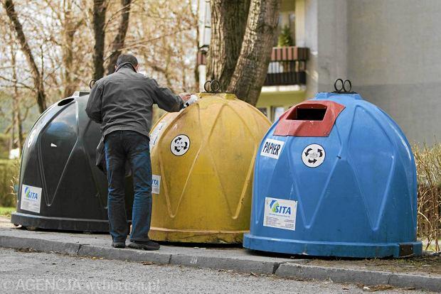 Mieszkańcom, którzy nie doczekali się kontenerów, ratusz sugeruje wyrzucanie śmieci do pojemników stojących na terenie Opola