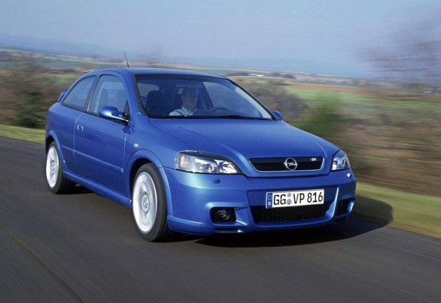 fot. Opel | Opel Astra OPC 2002