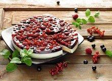 Biszkoptowe ciasto z owocami - ugotuj