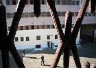 Strażnik bije, dyrektor kryje. Co się dzieje w polskich więzieniach