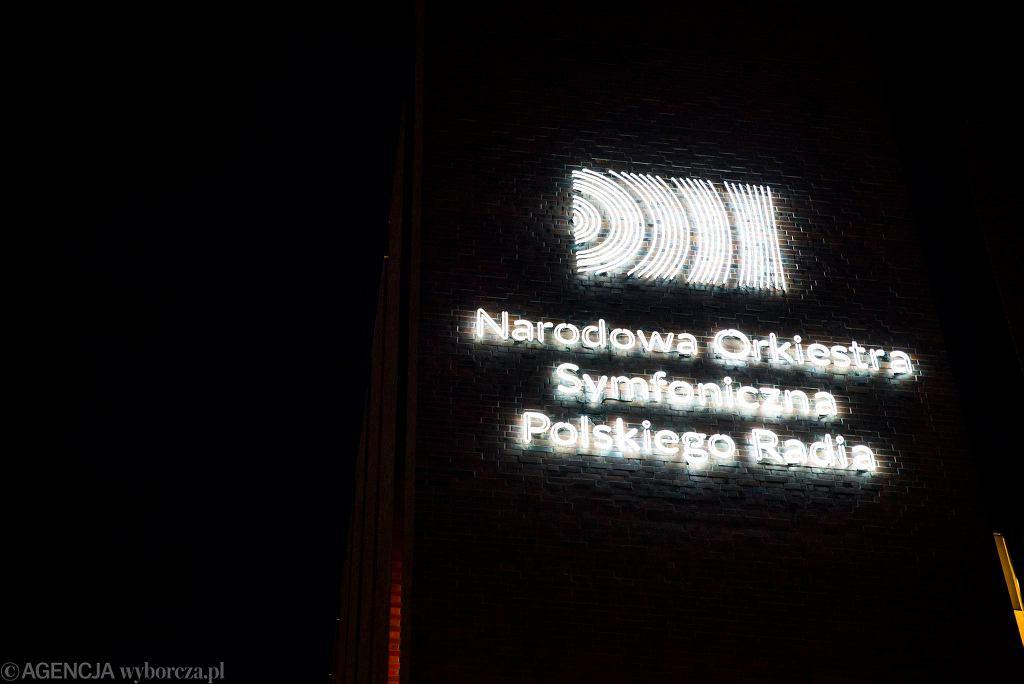 W Katowicach przybywa neonów.  / KAMILA KOTUSZ