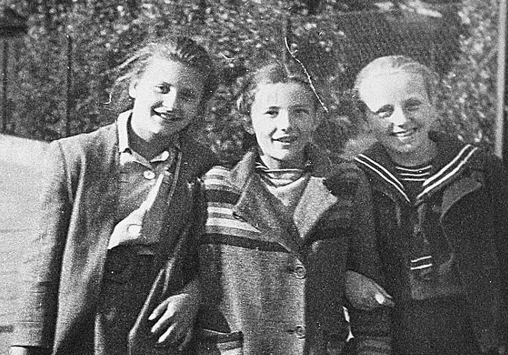 Od lewej Joanna Skwarczyńska, Anna Bogdanowicz (obie zginęły) i bohaterka reportażu Zofia Jackowska. Zdjęcie zrobione w Łodzi miesiąc przed tragedią