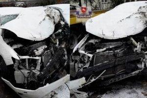 15-latek zginął w wypadku. Podróżował bez zapiętych pasów w aucie z letnimi oponami