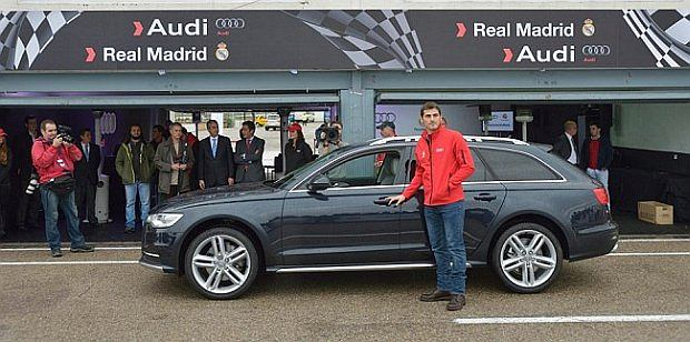 Iker Casillas i jego służbowe Audi