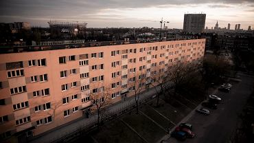 Blok przy ul. Kijowskiej 11 w Warszawie.