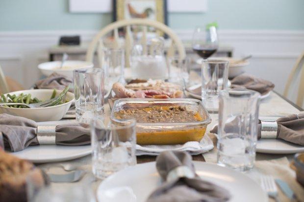 Komunia w domu - menu komunijne. Jak powinien wyglądać stół komunijny?