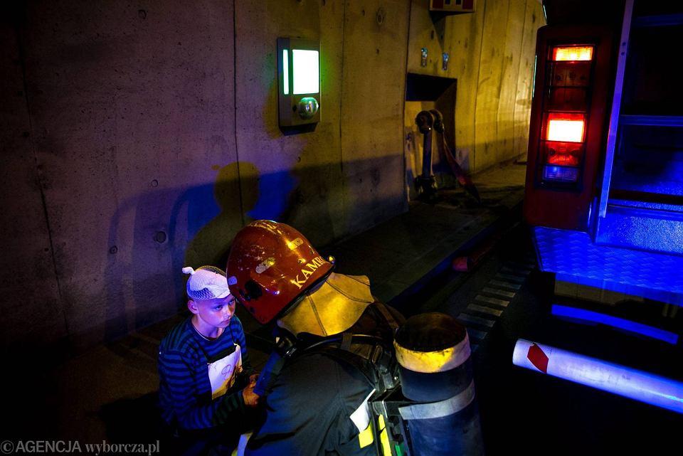 Zdjęcie numer 4 w galerii - Symulacja karambolu z kilkudziesięcioma rannymi. Duże ćwiczenia w tunelu pod Martwą Wisłą [ZDJĘCIA]