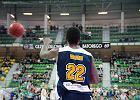 Stelmet - Asseco: seria si� wyd�u�a, koszykarze wchodz� na ekrany
