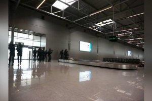 Lotnisko w Pyrzowicach opanowane przez terroryst�w. �wiczenia policji i stra�y granicznej