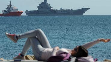 """Rosyjski lotniskowiec """"Admirał Kuzniecow"""" na Morzu Śródziemnym"""