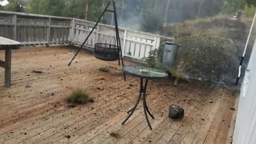 Piorun uderzył w patio
