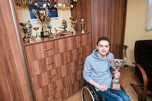 Adrian Beściak znowu wyrusza po pomoc dla niepełnosprawnych. Pokona 2,5 tys. km w 46 dni