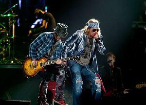 """Gitarzysta Ron """"Bumblefoot"""" Thal, który w 2014 roku pożegnał się z Guns N' Roses, opublikował nowy teledysk. Jego przygotowanie było poważnym przedsięwzięciem."""