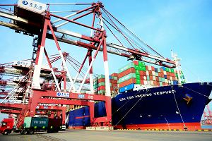 USA i Chiny wstrzymały ogień w wojnie handlowej. Dolar drożeje, ropa naftowa też w górę