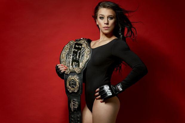 Joanna Jędrzejczyk to wielokrotna mistrzyni mieszanych sztuk walki i pierwsza Polka, należąca do największej i najbardziej elitarnej organizacji MMA na świecie - UFC. Choć uprawiany przez nią sport jest zarezerwowany głównie dla mężczyzn, JJ jest niezwykle kobieca. Zobacz jak wygląda codzienne życie prawdziwej wojowniczki, która została nową ambasadorką Sport.pl!