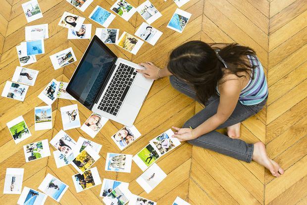 Nośniki danych cyfrowych mają ograniczoną żywotność. Doczekaliśmy się 'śmierci' dyskietki. Płyty CD są już coraz mniej popularne. Czy warto zatem drukować selfie?