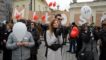 Pikieta Walentynkowa KOD w Warszawie