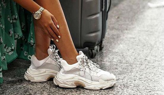 Trampki na platformie i sneakersy na grubej podeszwie