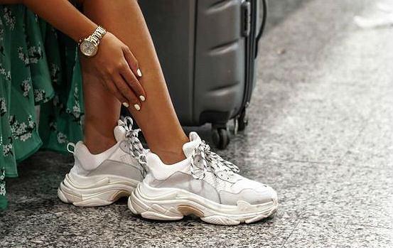 4151bc43 Trampki na platformie i sneakersy na grubej podeszwie
