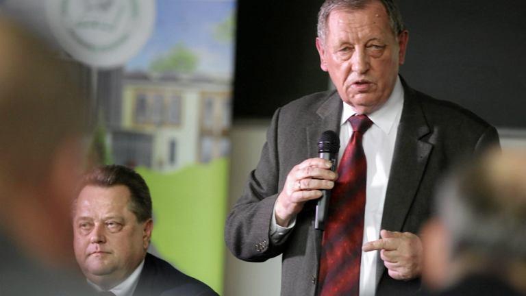 Minister środowiska Jan Szyszko w Hajnówce. Obok wiceszef MSWiA Jarosław Zieliński