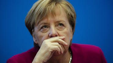 Według nieoficjalnych wiadomości podanych przez agencję DPA Angela Merkel po porażce CDU w wyborach w Hesji i wobec spadających sondaży oddaje władzę w partii. Na zdjęciu: kanclerz Niemiec podczas spotkania władz swojej partii liderów partii. Berlin, 29 października 2018
