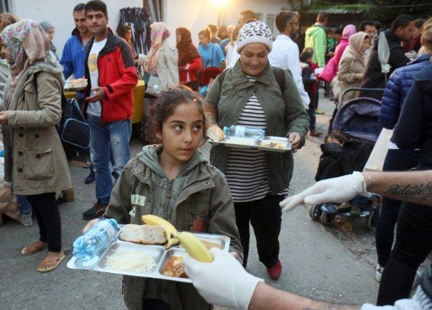 Niemcy wyliczyli, ile b�dzie ich kosztowa� utrzymanie 800 tys. uchod�c�w