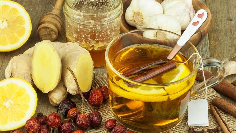Leczenie grypy ogranicza się do leczenia objawowego. Bardzo ważne jest aby chory odpoczywał i przyjmował dużo płynów, najlepiej wody lub herbaty
