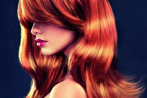 Koloryzacja w domu vs. koloryzacja u fryzjera: wady i zalety