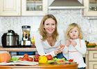 Polacy najch�tniej jedz� z rodzin� i przyjaci�mi